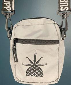 Shoulder-Bag-White-Pin-Refletiva-01